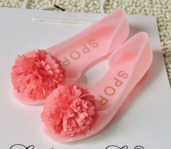 D64 ดอกไม้สีหวานหวานของหญิงสาวหัวปลารองเท้าดอกกุหลาบแบนเยลลี่รองเท้าแตะมั้ง