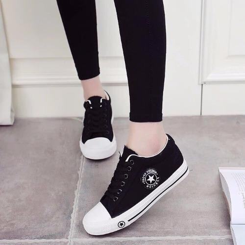 Kiyaya รองเท้าผ้าใบแฟชั่นเสริมส้นผู้หญิง รุ่น TP-CM9107-Black (สีดำ)