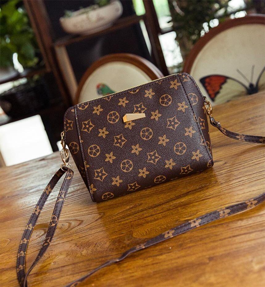 กระเป๋าเป้ นักเรียน ผู้หญิง วัยรุ่น เชียงใหม่ Master Fashionกระเป๋าสะพายข้าง  หูจับสีน้ำตาล  รุ่น B 03