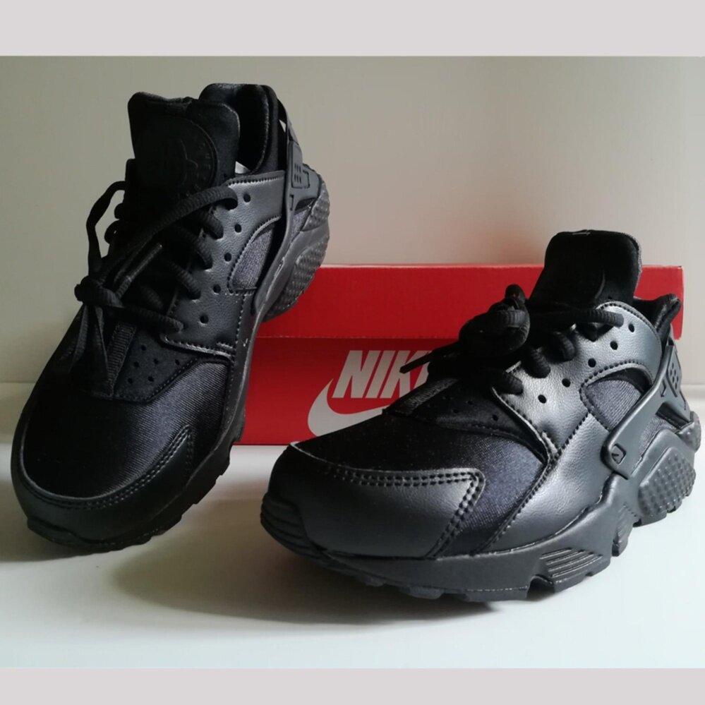ชัยภูมิ รองเท้า Nike Air Huarache