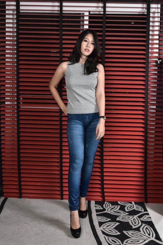 ขาย PERFECT PANTS กางเกงเลคกิ้งลายยีนส์สีน้ำเงิน ลายขีด