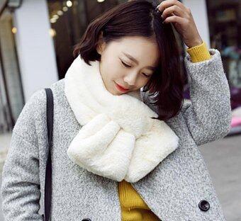 ผ้าพันคอ ผ้าคลุมไหล่ แฟชั่นหน้าหนาว เสื้อโค้ท เสื้อกันหนาว ผ้าพันคอขนสัตว์ สีขาว