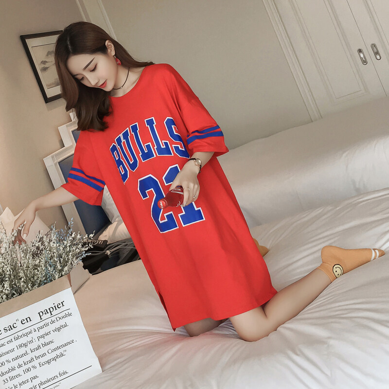 ฮาราจูกุเกาหลีเบสบอลเครื่องแบบนักเรียนหลาใหญ่แขนสั้นเสื้อยืดเดรสเสื้อผ้าบาสเกตบอล (สีแดง)