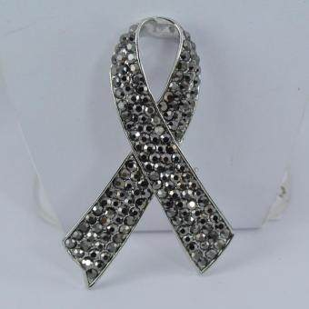 Pearl Jewelry เข็มกลัดไว้อาลัย ริบบิ้น คริสตัลแมกกาไซด์ (White)