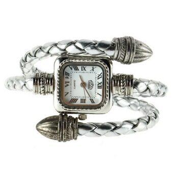 หญิงสาวแต่งตัว...สไตล์สาวของขวัญสร้อยข้อมือกำไลงูนาฬิกาข้อมือควอตซ์