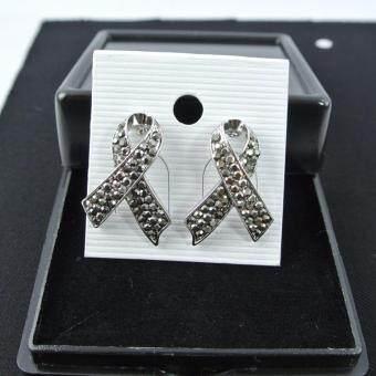 Pearl Jewelry ต่างหูโบว์ แมกกาไซด์ สีเงิน