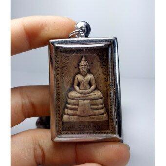 phra mongpol พระพุทธโสธร ด้านหลังเป็นพระสิวลีมหาลาภ
