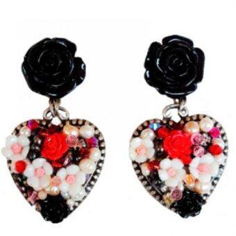 PENNY & THE RICCI ต่างหูกุหลาบสีดำประดับจี้เงินแท้ทรงหัวใจ แต่งดอกไม้ ไข่มุกแท้ และคริสตัส