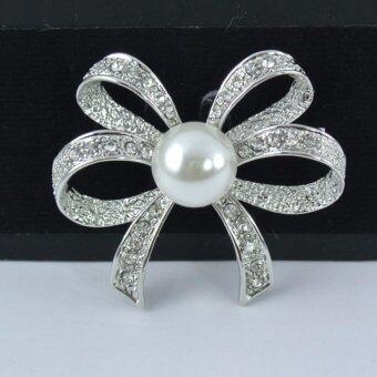 Pearl Jewelry เข็มกลัดติดชุดดำ โบว์เพชรมุกขาว