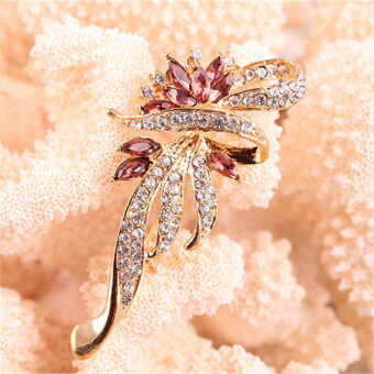 Jetting Buy New Shining Crystal Brooches Lovely For Female RetroFashion Women Jewelry Gift GoldPurple