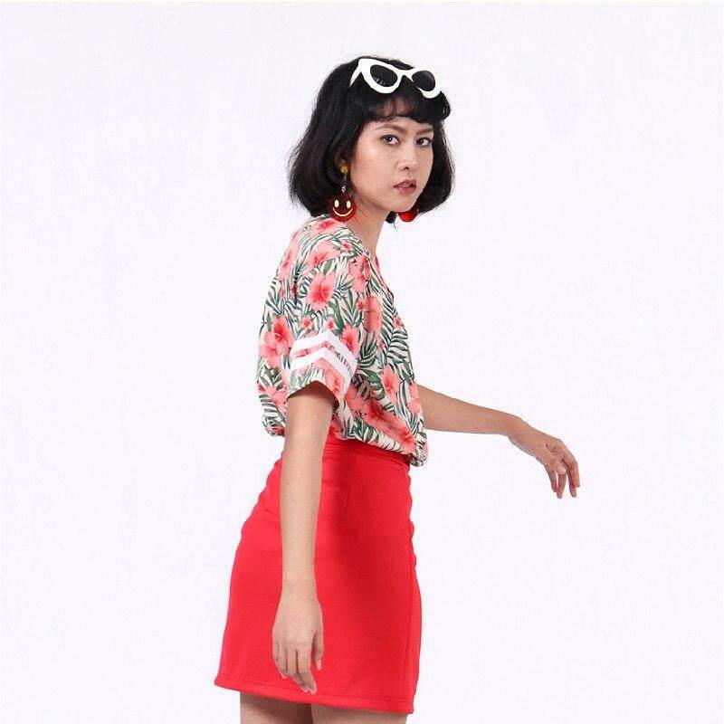 สุดยอดสินค้า!! (ส่งฟรี Kerry) Mixon เสื้อสปอร์ตบาสติดกระดุมหน้าลายดอกชบา Floral V Neck Button Up Top