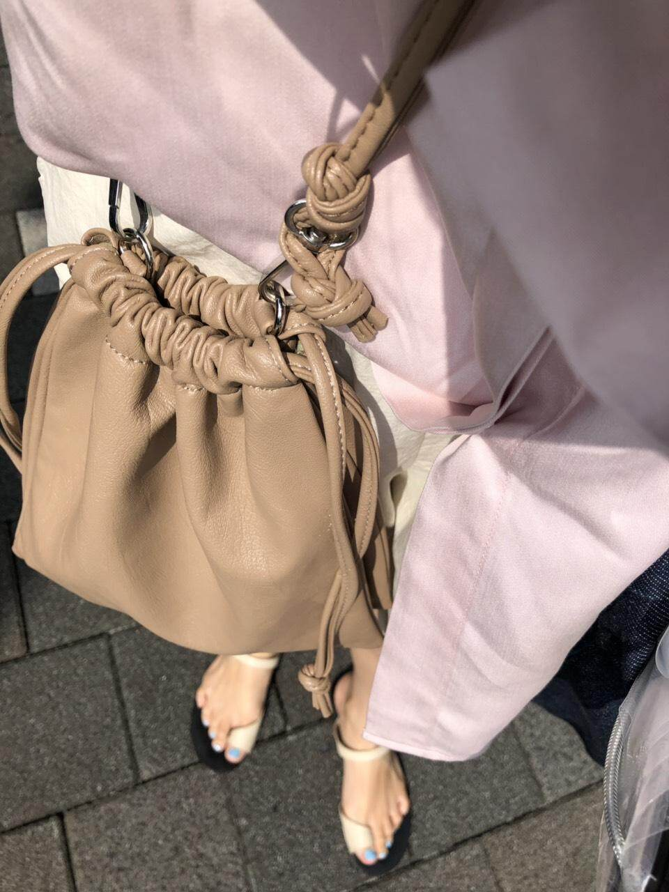 กระเป๋าสะพายพาดลำตัว นักเรียน ผู้หญิง วัยรุ่น มุกดาหาร freckled selected Brown bag กระเป๋าหนังเทียมมีสายสะพายข้าง