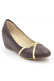 CLASSY รองเท้าผู้หญิง รองเท้าแฟชั่น รุ่น - QY1993-359 (Brown)