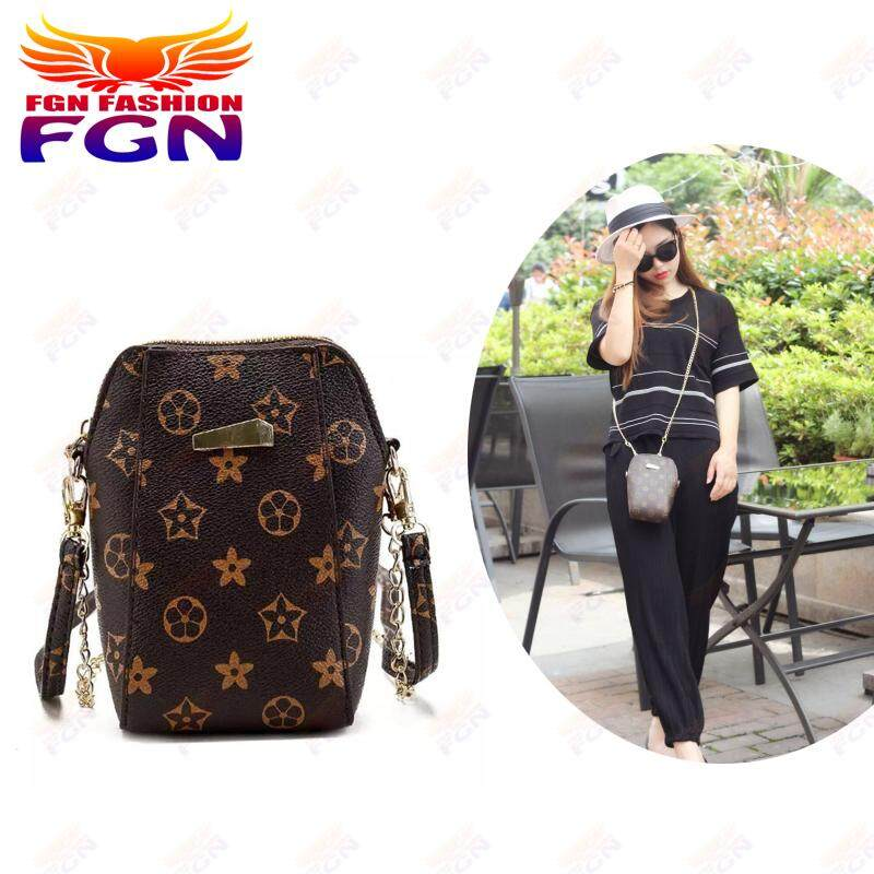 กระเป๋าสะพายพาดลำตัว นักเรียน ผู้หญิง วัยรุ่น ราชบุรี FGN กระเป๋าเป้สะพายหญิง Bag กระเป๋าทรงสูง กระเป๋าแฟชั่นสายโซ่ทอง (สีน้ำตาล)  กระเป๋าใส่โทรศัทพ์  รุ่น FGN-085