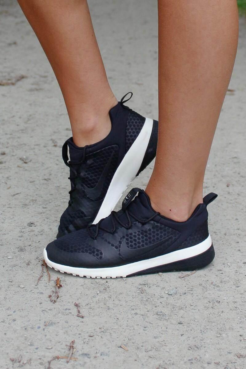 ขายดีมาก! Nike รองเท้าผ้าใบ แฟชั่น ฟิตเนส  ผู้หญิง ไนกี้ ck racer black นุ่มเบา สบายเท้า ++ลิขสิทธิ์แท้ 100% จาก NIKE พร้อมส่ง ส่งด่วน kerry++