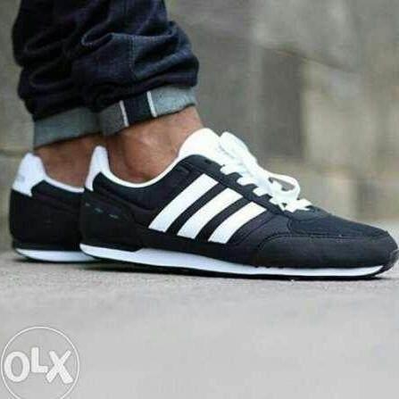 ลดสุดๆ Adidas รองเท้า ผ้าใบ ลำลองผู้ชาย อาดิดาส City Racer Black White นุ่ม เบาสบายสุดๆ เท่ทุกสไตล์ ของแท้ 100% การันตี ส่งไวด้วย kerry!!!