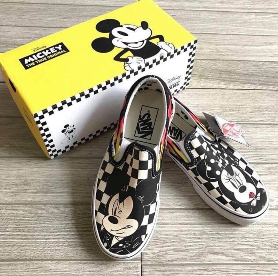 สุดยอดสินค้า!! DISNEY x Micky Mouse - VANS SLIP-ON (ส่งฟรี Kerry)