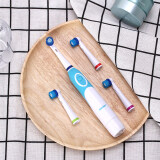 แปรงสีฟันไฟฟ้า รอยยิ้มขาวสดใสใน 1 สัปดาห์ ตรัง AZDENT แปรงสีฟันไฟฟ้าในครัวเรือนสำหรับผู้ใหญ่แบบพกพาแบตเตอรี่แห้งกันน้ำขนนุ่มแบบหมุนHot AZDENT AZ OC2 Rotating Electric Toothbrush Battery Operated 4 Heads Oral Hygiene Health Products No Rechargeable Tooth Brush